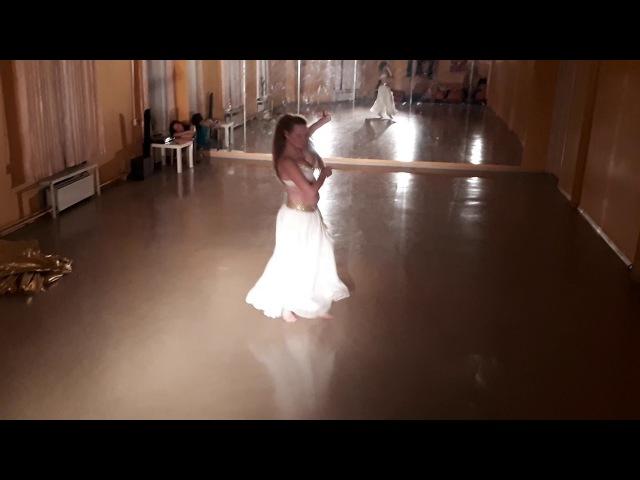 Танец живота с крыльями Репетиция Школа танцев Экспромт СПб