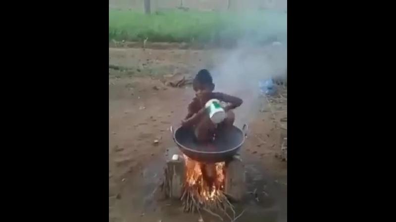 Когда в общяге отключили горячую воду (VIDEO ВАРЕНЬЕ)
