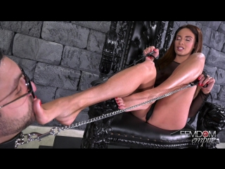 [femdomempire.com] anissa kate (worship goddess anissa) [femdom, brunette, big tits, foot worship, high heels]