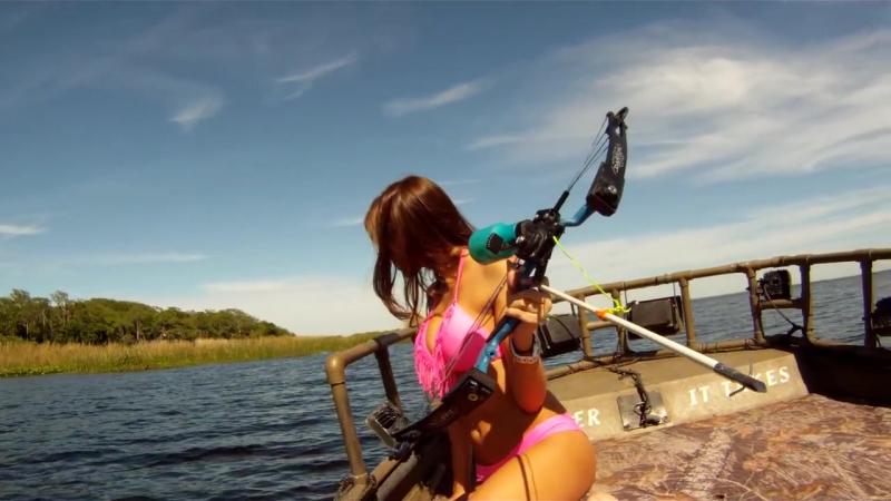 Bikini Bowfishing TV Episode 3 Gar and Tilapia