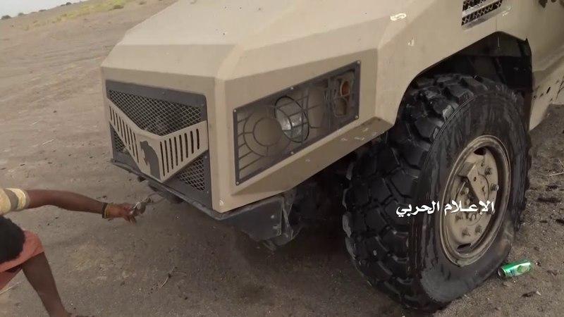 Военный Осведомитель сегодня в 21:19 Хуситы жгут очередной бронеавтомобиль AJBAN 440A производства компании NIMR Automotive LLC из Абу-Даби (ОАЭ).