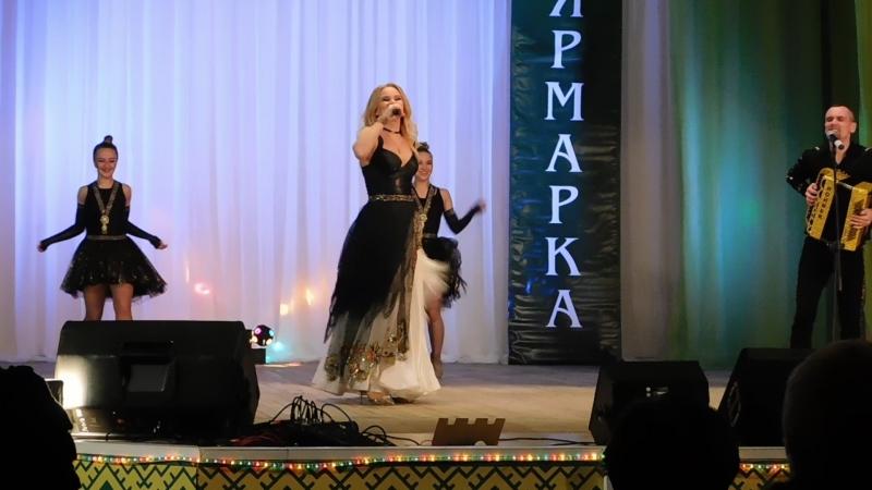 Алёна Мальцева и группа Ярмарка в Жешарте