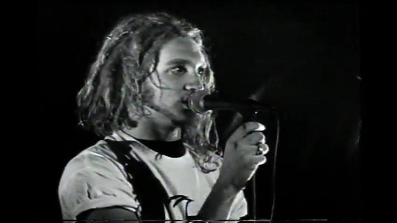 ALICE IN CHAINS - Love, Hate, Love (Live at Moore Theatre, Seattle 1990)