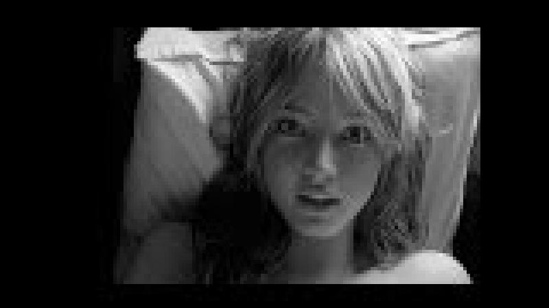 Красивая девушка поет под гитару HD 18
