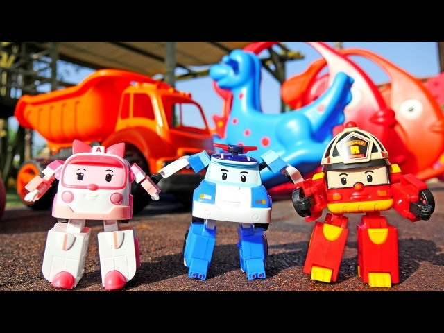 Robocars en el patio del recreo. Vídeos para niños.