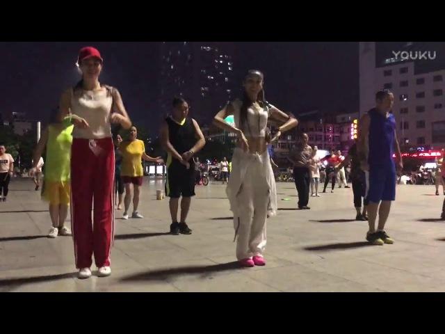 深圳广场舞 带红帽的跳得如何?