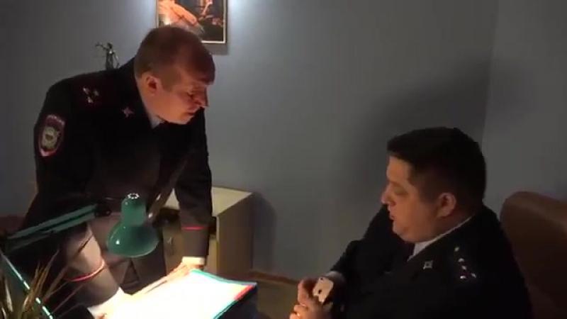 Яковлев и мухич (полицейский с рублевки) про iPhone 8 18(без цензуры)