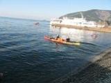 Спуск каяка в Черном море