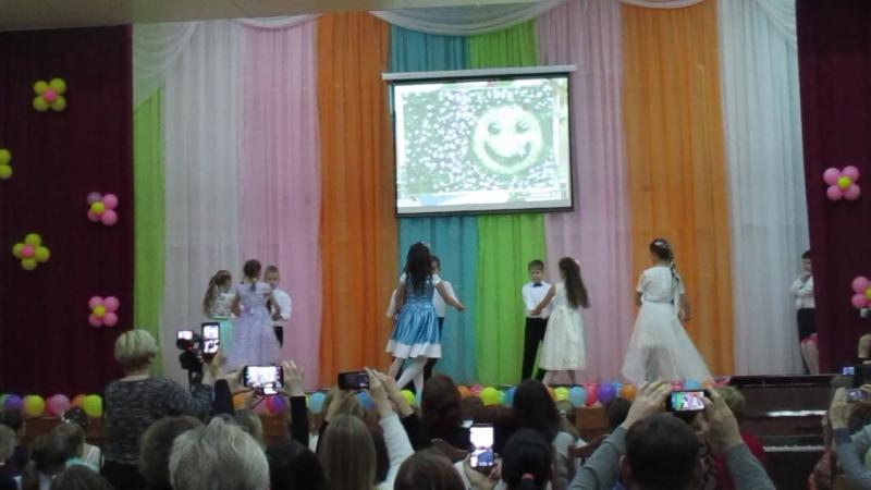 хореографы-постановщики Катя Школьна и Вероника Манзюк. наш 4-й класс)