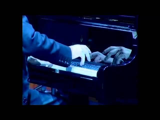 Roberto Cacciapaglia - Olimpica live at Teatro degli Arcimboldi (09/20/2007)