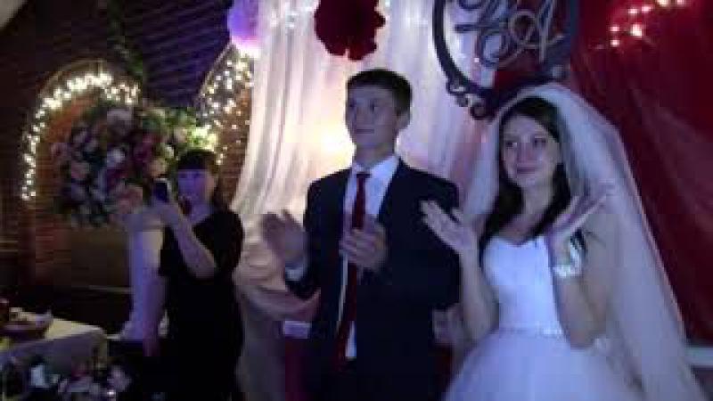 Брат читает рэп на свадьбе сестры! Подарок сестре на свадьбу! Подарок от брата се...