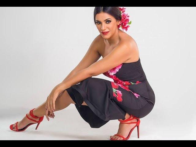 اقدام انجى المقدم Engy Almoqadem Feet in Red High Heels
