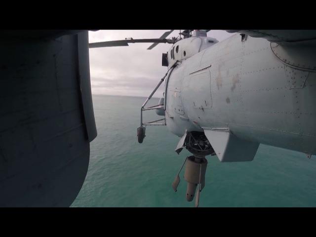 Тренировка экипажей вертолетов Ка-27ПЛ по поиску подводных лодок в Баренцевом мо...