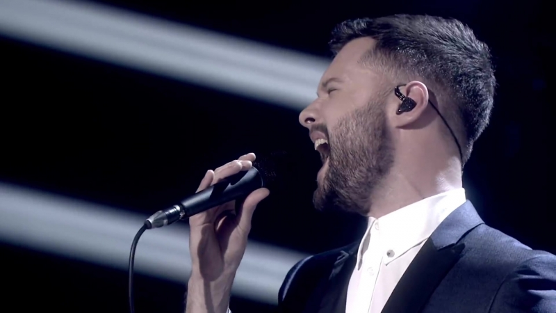 Calum Scott - Dancing On My Own ('17 BRITs Nominations Show)