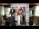 Салмақ түсіру барысында көп салмақ жоғалтқан жапондық MMA жауынгері салмақ өлшеуде