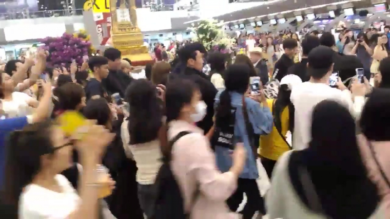 171130 BLACKPINK @ Suvarnabhumi airport (Bangkok, Thailand)