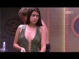 Ana Paula se descuida e paga peitinho no BBB18