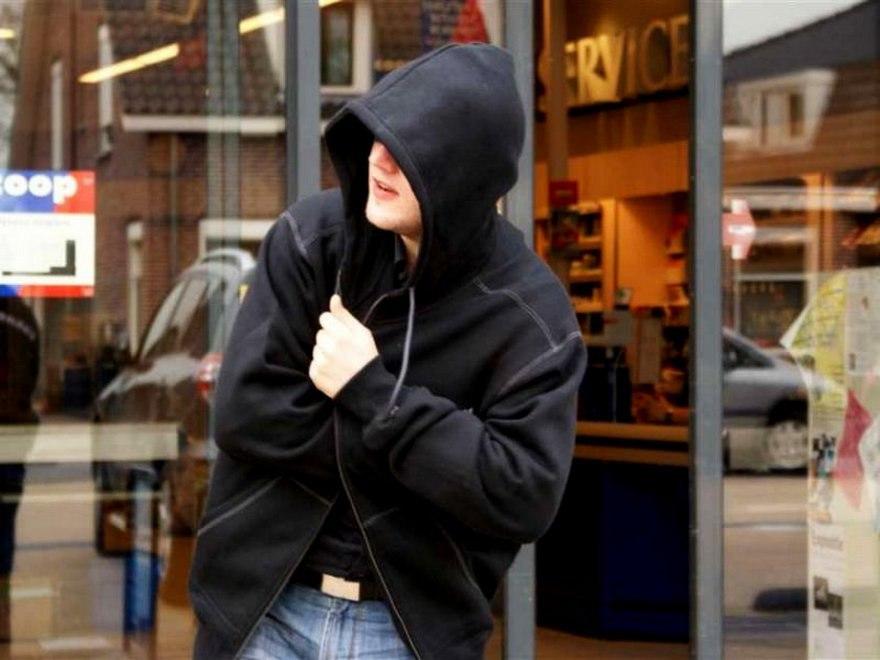 Трёх подростков из Асина будут судить за хищение продуктов и техники из магазина