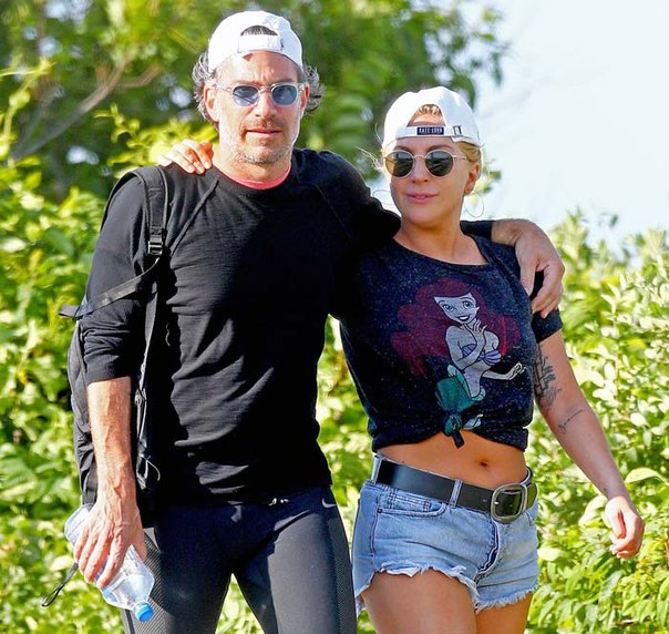 Леди Гага выходит замуж за Кристиана Карино