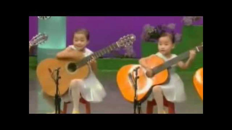고사리 손으로 신들린 연주를 하는 북한 유치원생들!