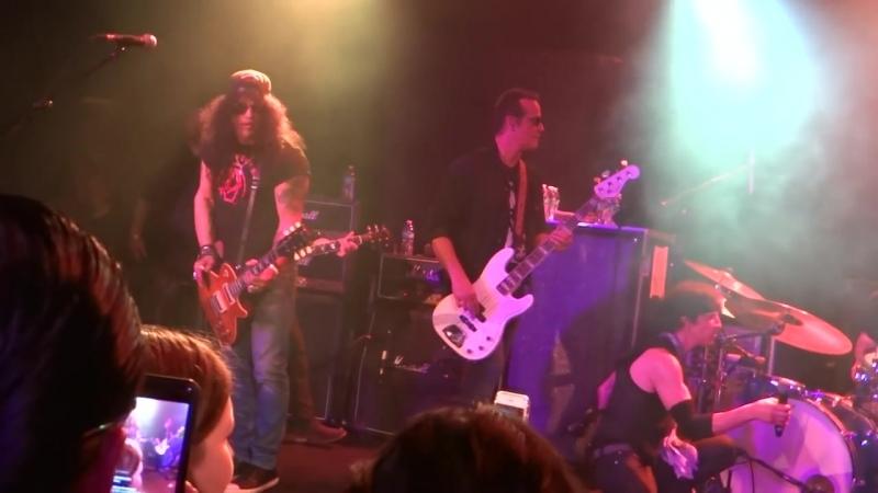 Joe Perry, Slash, Johnny Depp, Train Kept A-Rollin' The Roxy LA 1_16_18 (2)