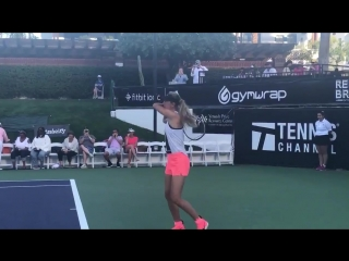 Vika warming up for her doubles match against serena williams #desertsmash !