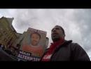 Kurzprotest vor dem Stand der Schleppermafia von Ärzte ohne Grenzen