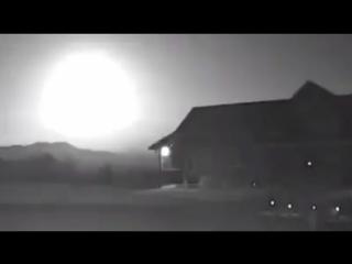 Пролет метеора в небе над Британской Колумбией. (4.09.2017)