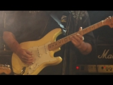 Walter Trout performing with the Supersonic Blues Machine - YouTube