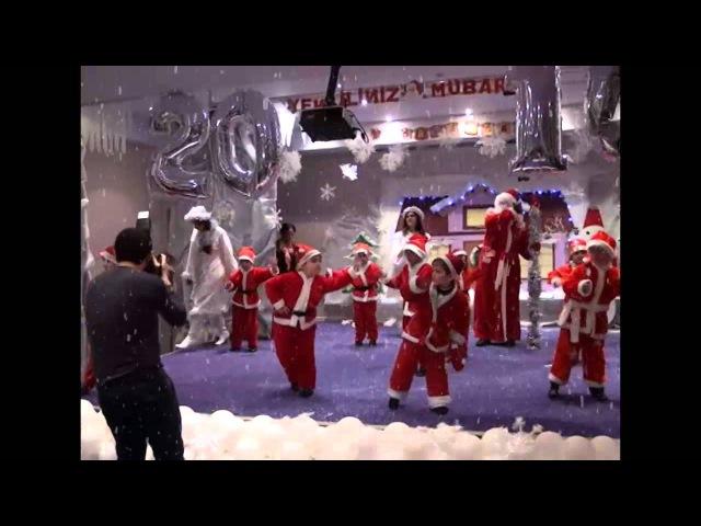 Танец Санта клаусов - рус сектор(Baby Plaza muasir usaq bagcasi)