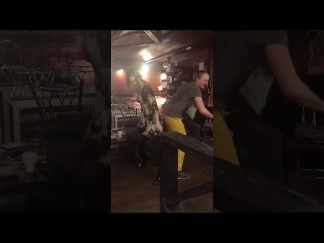Танцы первобытных людей xD