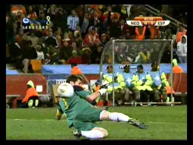 Arjen Robben vs Iker Casillas | Netherlands vs Spain | 2010 FIFA World Cup | 2