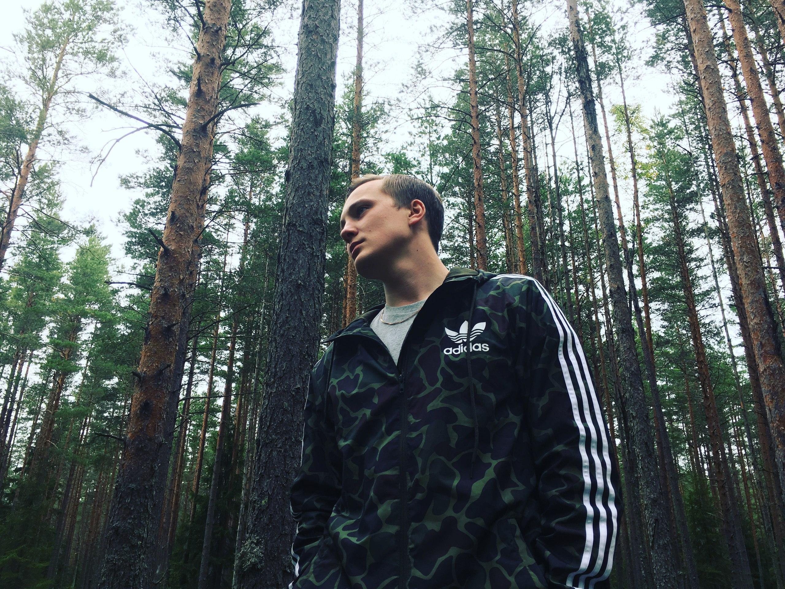Гей порно дядька затащил мальчика в лес