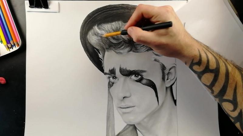 Портрет артистичного парня