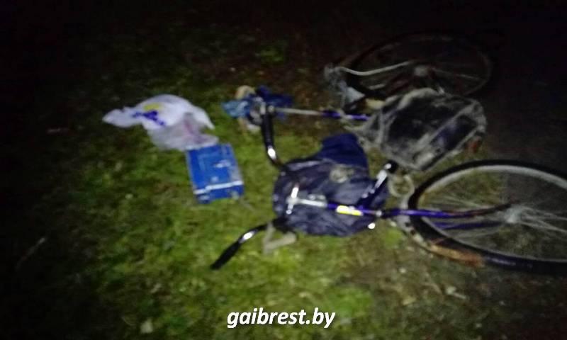 В Ганцевичском районе под колесами автомобиля пострадал пьяный велосипедист