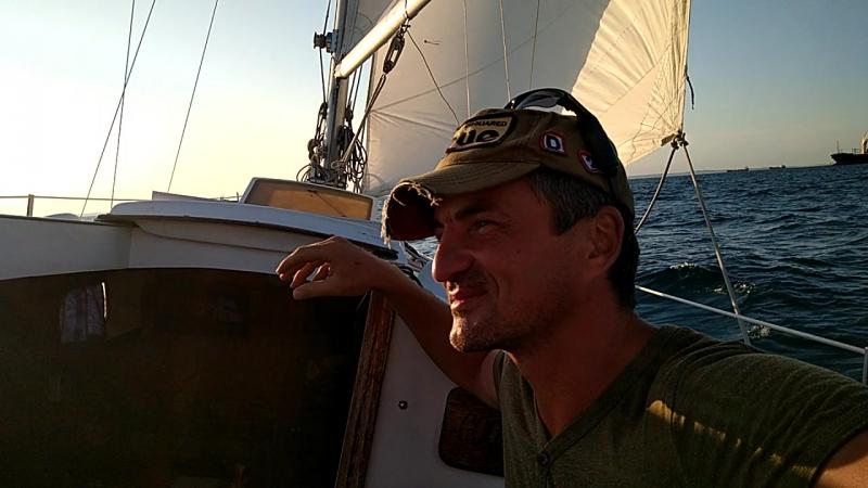 На яхте в Керченском проливе.