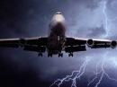 Топ 5 случаев удара молний в самолет