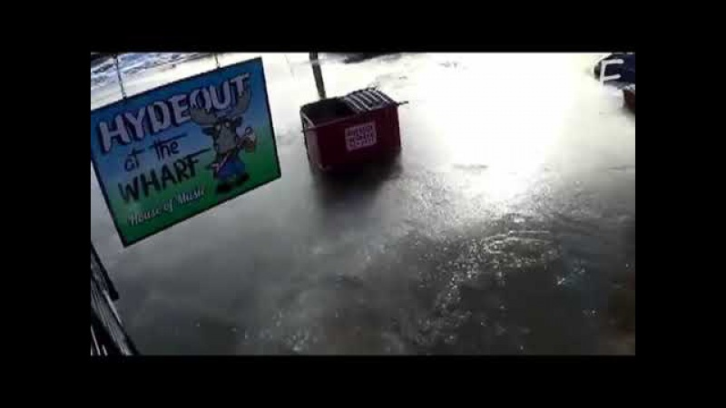 Затопление в Хэллоуэлл, штат Мэн, США 14.01.2018   Flooding in Halloween, Maine, USA