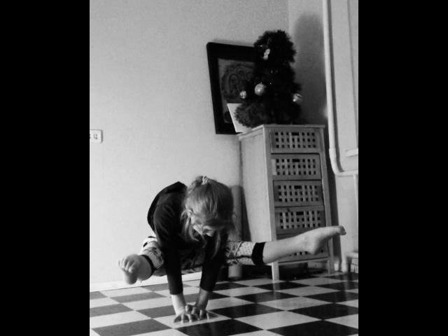 Instagram post by Акробаты, дети йогов • Jan 11, 2018 at 6:04pm UTC