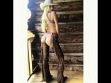 @angelcandices: Wild Wild West out here🤠 @jeromeduran @ed_razek @insta_bobb @enamelle @_virginiayoung_ @victoriassecret