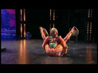 Человек-лягушка или самый гибкий йог в мире