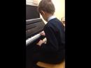 Мой друг играет Музыку гравити фолс