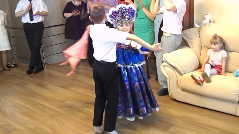 Танец Алисы и Владика