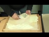 Ролик для теста De Buyer 4361.00N — это ромбовый ролик, с помощью которого вы сможете быстро и просто подготовить тесто для деко
