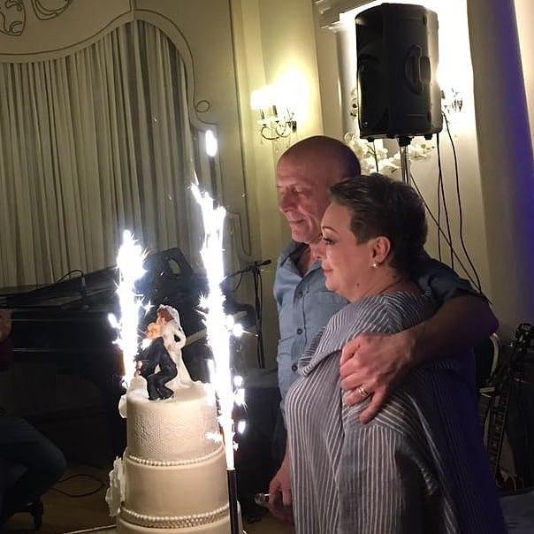 46-летняя Мария Аронова сыграла свадьбу: появились первые кадры с торжества Актриса вместе с Евгением Фоминым уже 20 лет