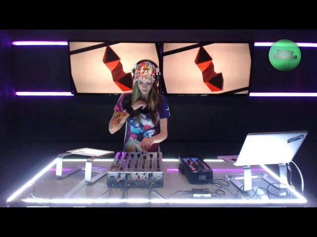 Miss Monique - Mind Games Podcast 015 (Live, Radio Intense 19.08.2013)