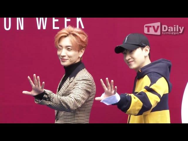 [TD영상] 슈퍼주니어 이특-은혁 '컴백 앞두고 짙어진 카리스마' (2018 SS Hera Seoul Fashion Week)