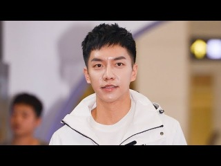 18.03.12 Lee Seung Gi at Black Yak 45th Anniversary New Vision Convention