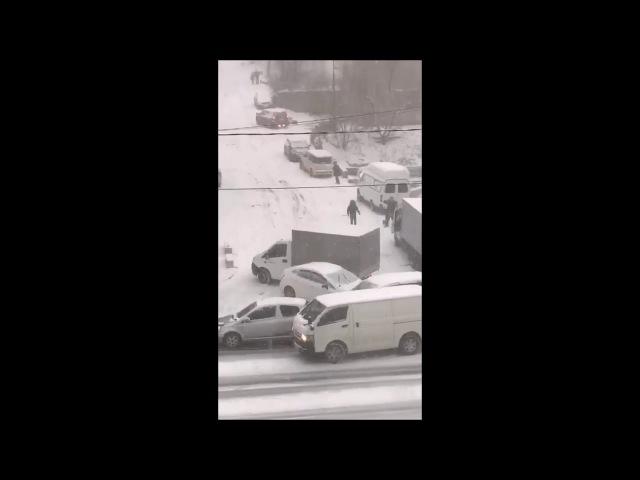 Бедовый спуск: череда аварий. 17.11.2017 День Жестянщика во Владивостоке