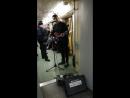 Классно поет в Московском метро